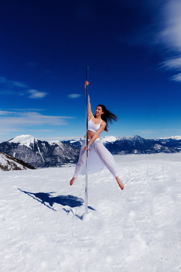 Pole dance in the snow